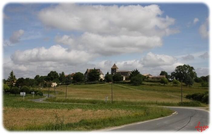 Sur la route de St Meard de Gurçon