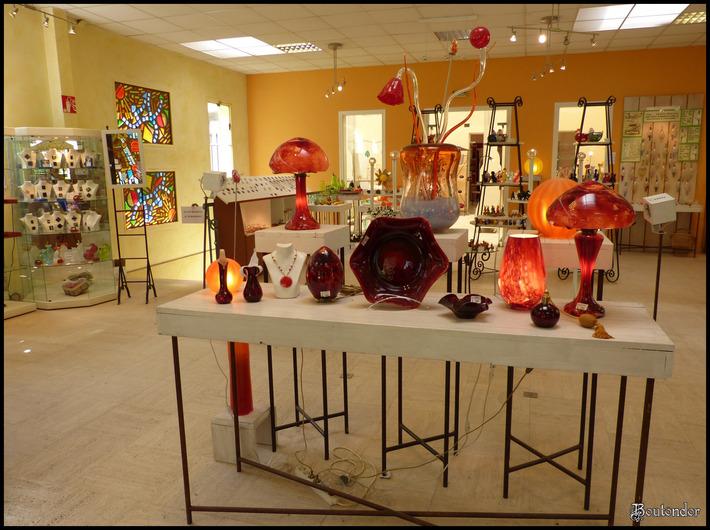 Soisy-sur-l'Ecole : le verrerie de soisy:Serie 2