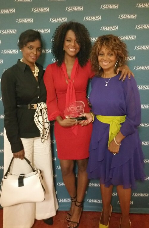 #News Yashi, Stacee et Rebbie honoree pour