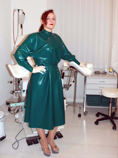 Latex surgeon