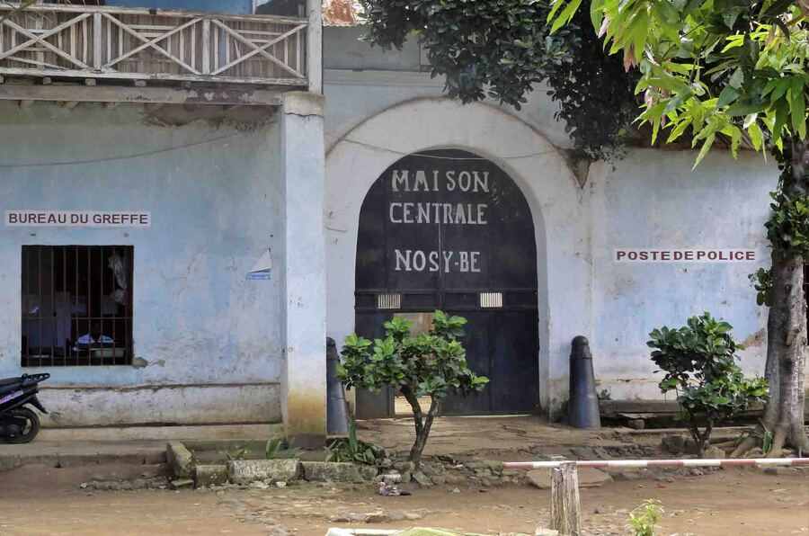 « Hell Ville – Capitale de Nosy Be »