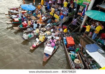 stock-photo-ampawa-thailand-dec-thai-ladies-at-floating-kitchens-at-the-traditional-floating-market-
