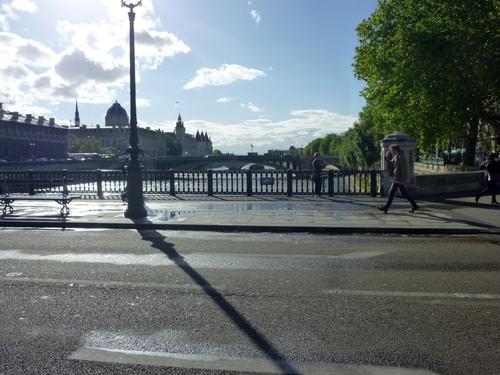Sous la lumière de Paris!