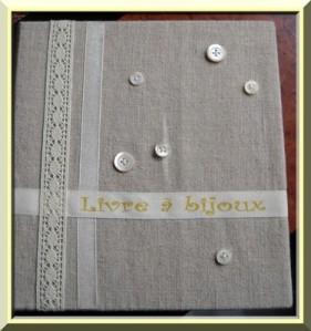 Livre-a-bijoux-2.jpg