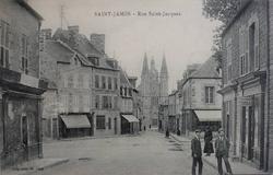 LES REMPARTS DE SAINT-JAMES (Manche)