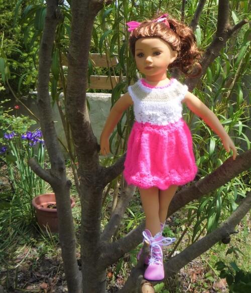 Maêvanne dans sa robe d'été