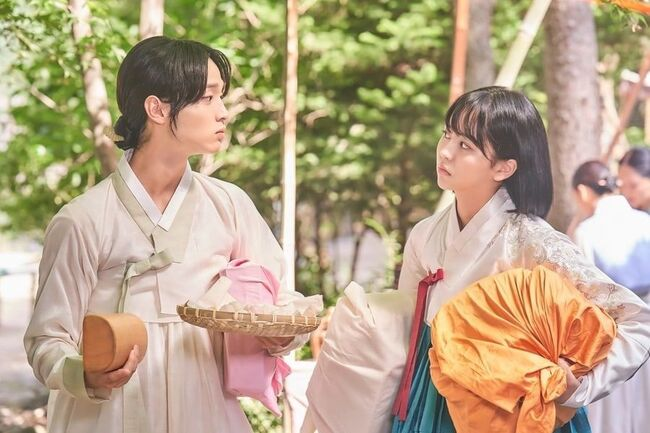"""Jang Dong Yoon And Kim So Hyun Bicker And Bond In """"The Tale Of Nokdu"""""""