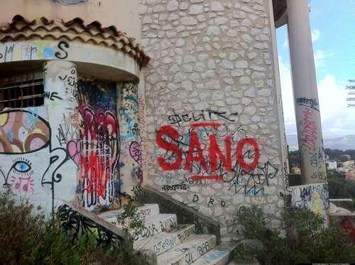 Maison originale et abandonnée hauteurs de Marseille