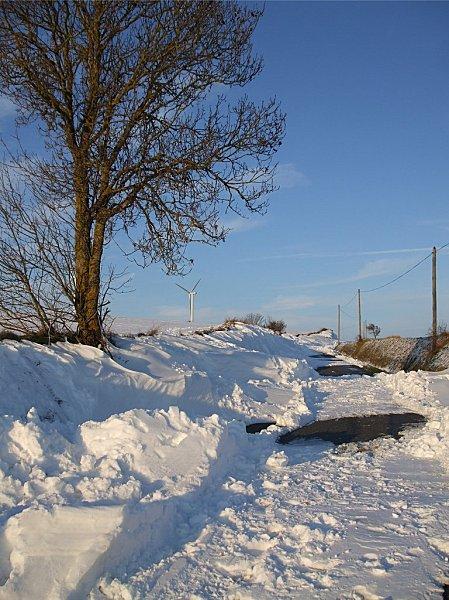 route-eolienne-neige-100111