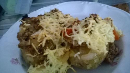 Pommes de terre farcies boeuf tomates