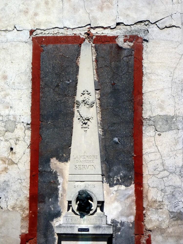 Monument à Servin