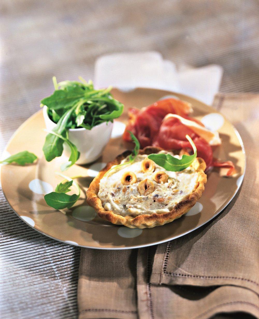 Tartelettes au gorgonzola et aux noisettes