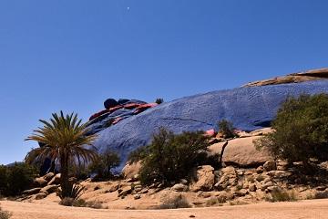 Des roches teintes au Maroc ...