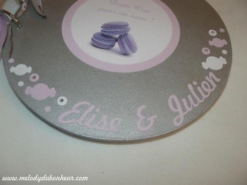Livre d'or rond gourmandise macarons argent lilas violet