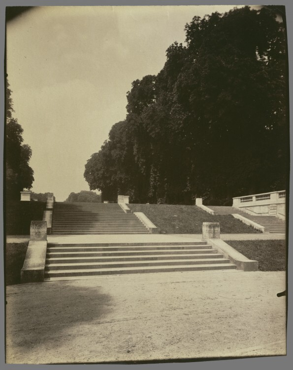 Atget Paris Parc de Saint Cloud 595x750 Le Paris de 1900 par Atget