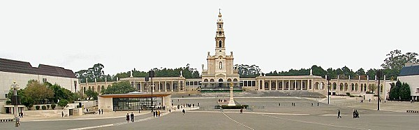 800px-Basilica Fatima