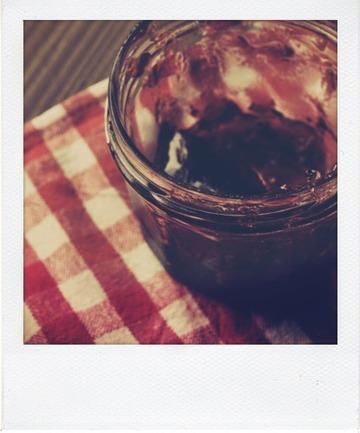 Tarte rustique au petit-épeautre aux fraises et à la gelée de groseille