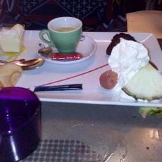 V 05/01/2018 Dessert de ma Copine Café gourmand (Tarte aux pommes, île flottante, moêlleux, etc .