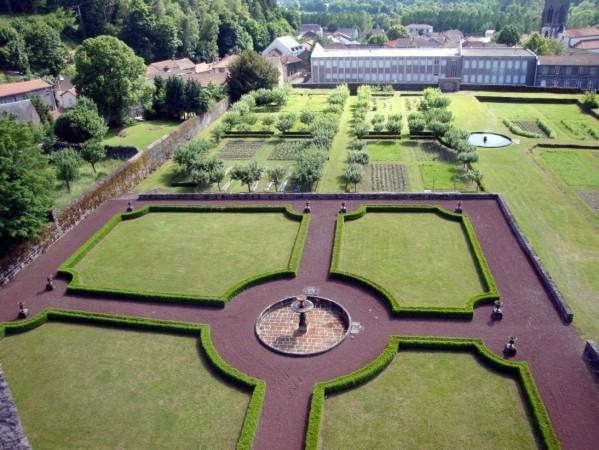 Château-Dauphin Jardin d'agrément2