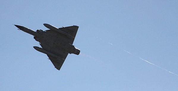 duo avions de chasse -8-