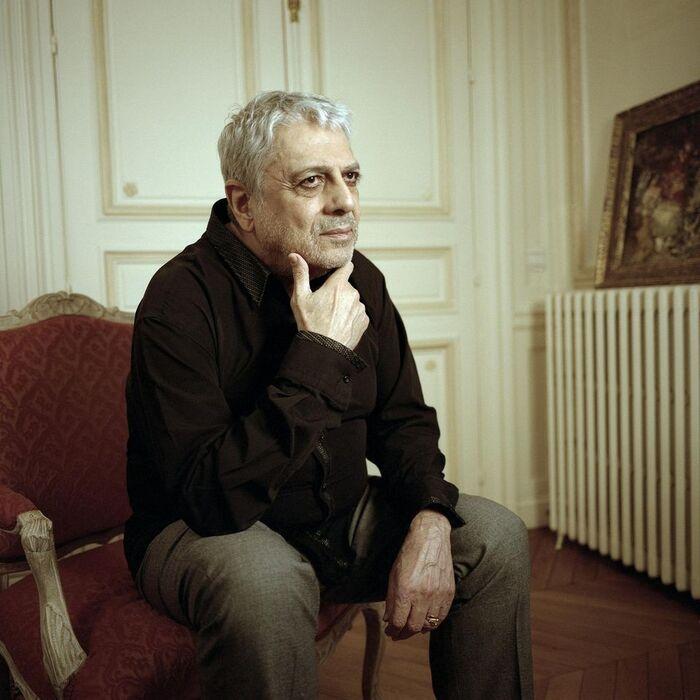 Ce blog contient de nombreux articles concernant Enrico Macias, l'un des premiers date du 31 janvier 2011 communiqué par Jean-François Gavoury