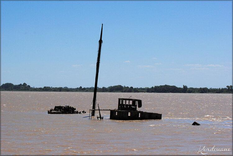 Epave de bateau, estuaire de la Gironde