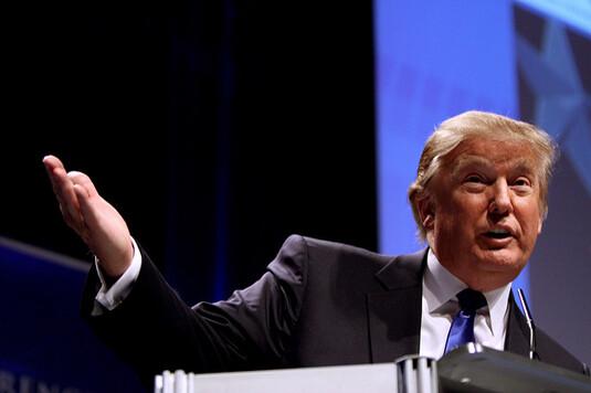 Après les élections présidentielles, Donald Trump sera jugé pour escroquerie