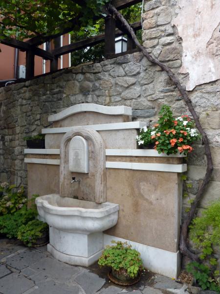 Jour 9 - Plovdiv - Fontaine dans la vieille ville