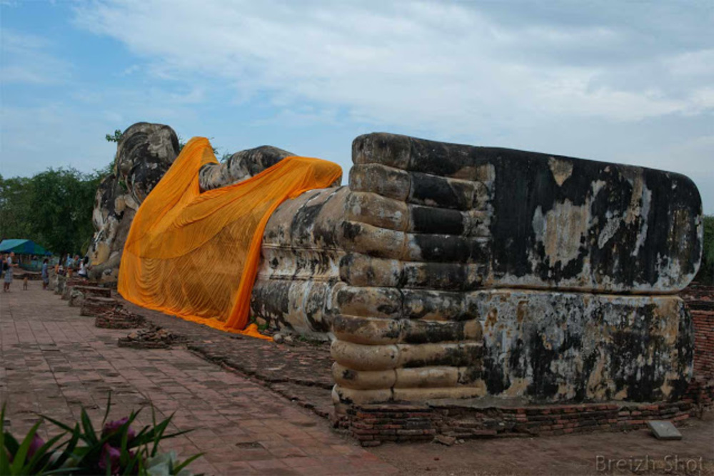 bouddha couché lokayasutha