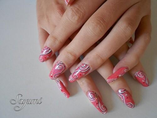 Nail Art Spirales Ombre et Lumière