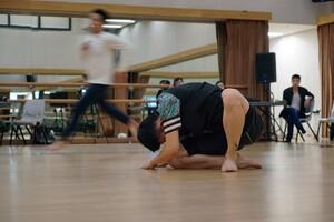 dance ballet class cheung chi wai