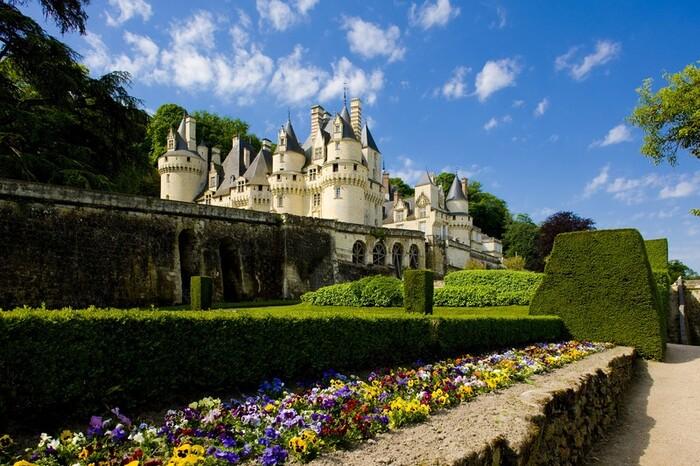 Des Plus Grandes Forteresses Médiévales...  Aux Châteaux De Légende...