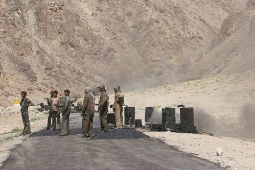 les travaux routiers au Ladakh