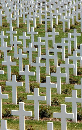 une partie des soldats a été enterrée dans les immenses nécropoles situées