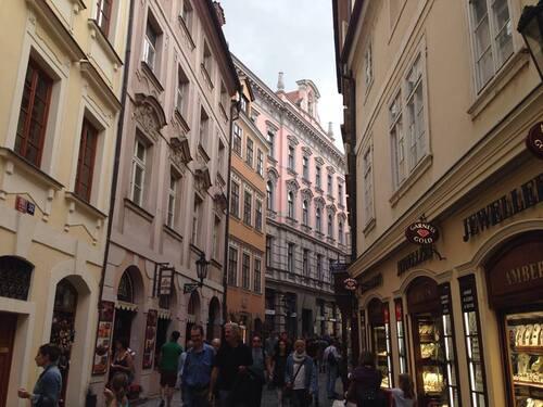 77-PRAGUE-2-