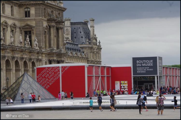 Comment enlaidir Paris... Les marchands du temple (2)