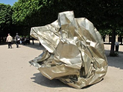 Wang Du journaux pliés Palais Royal 0