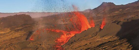 Eruption Piton de la Fournaise mai 2015 - © L. Ghighi