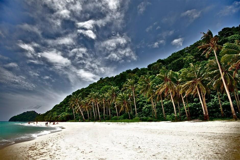 puka-beach-940x626