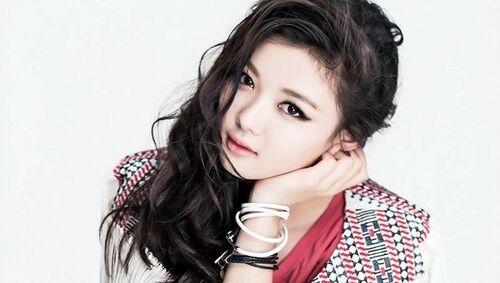 Kim Yoo Jung rejoint le casting de Moonlight Drawn by Clouds