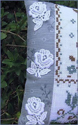 Coussinet-Flower-garden-Danybrod-4.jpg