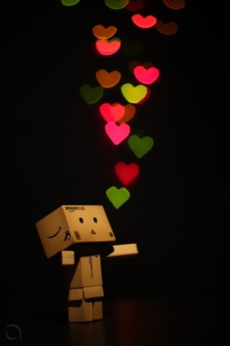 9-cute-funny-danbo-cardboard-box-art-bokeh-heart-give-all