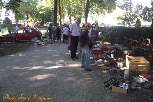 Quelques vide-greniers de l'été, vus par René Drappier...