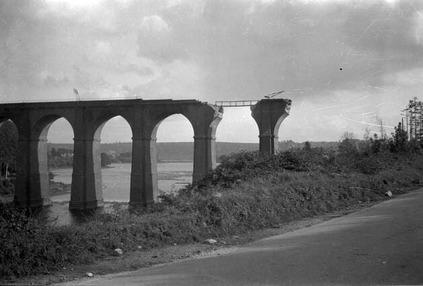 Le pont Albert-Louppe, en partie détruit.