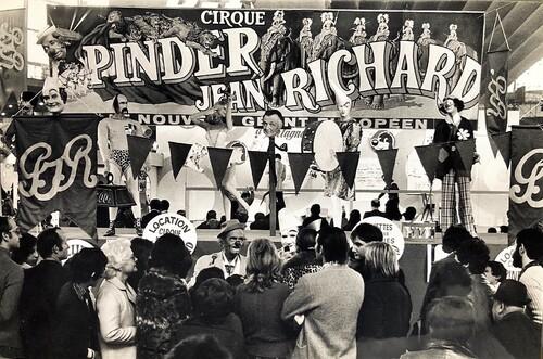 stand du cirque Pinder Jean Richard à la foire de Lyon ( archives Jean Arnaud)