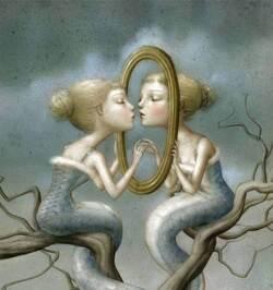 La loi du miroir : ce que vous voyez chez les autres est votre reflet, le miroir de vos qualités ou de vos défauts.