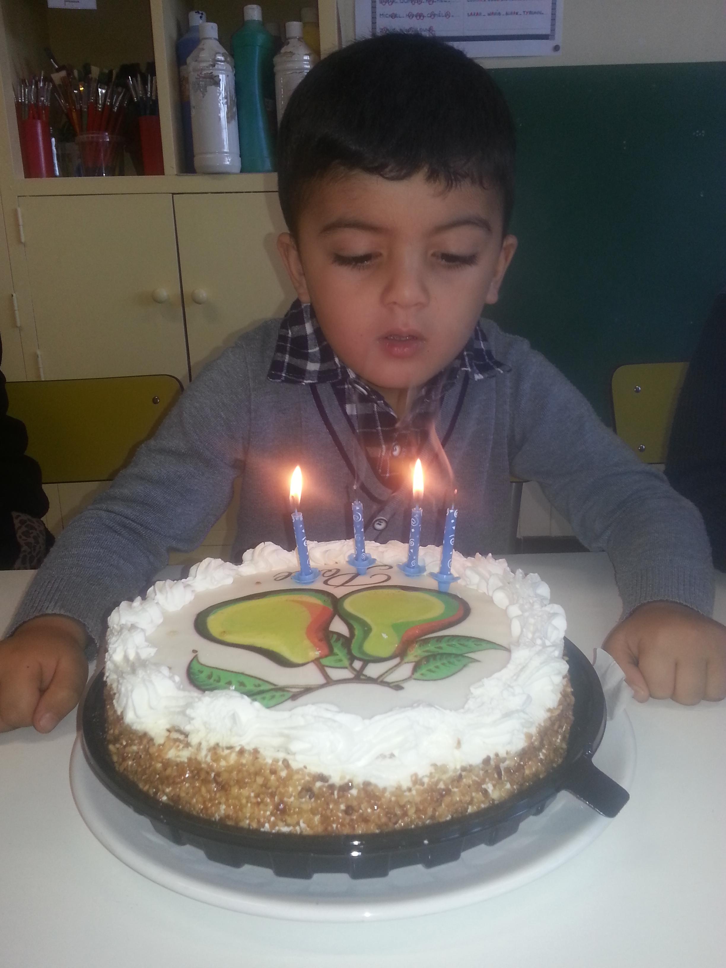 Joyeux Anniversaire Adam Blog De La Maternelle Cassenel
