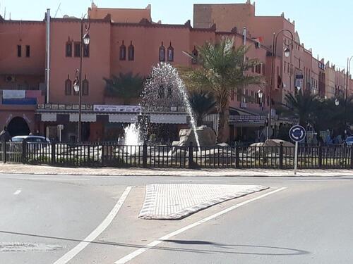 Un rond point de Zagora
