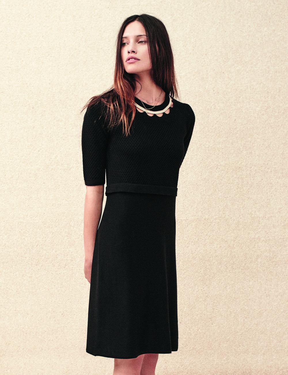 Robe noire : col fantaisie