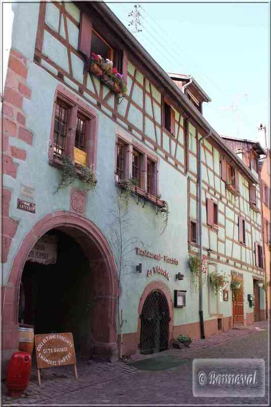 Alsace Route des Vins Riquewihr maison au Brochet